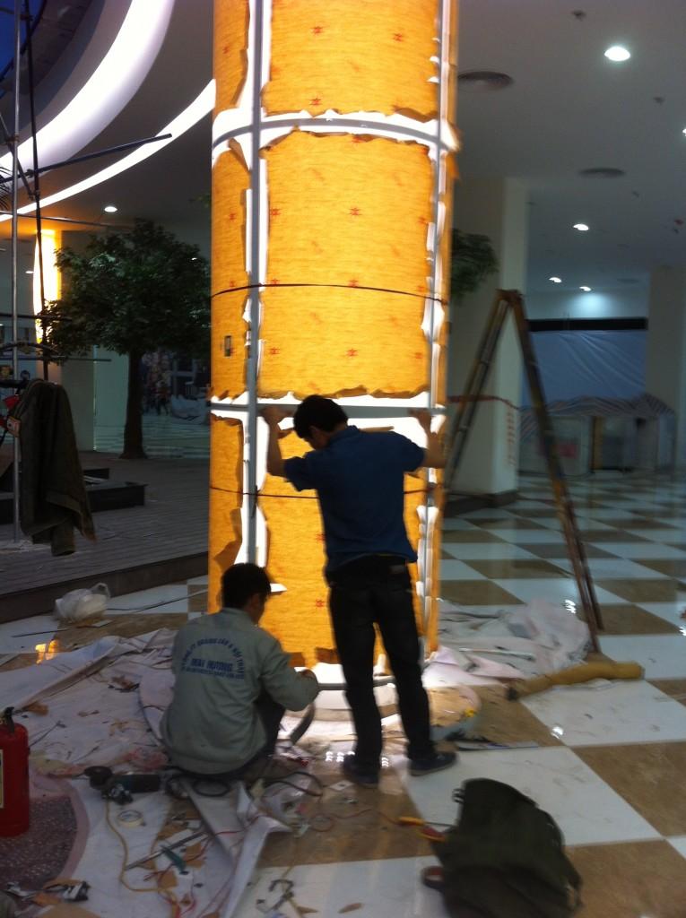 Cột mica tại TTTM time city