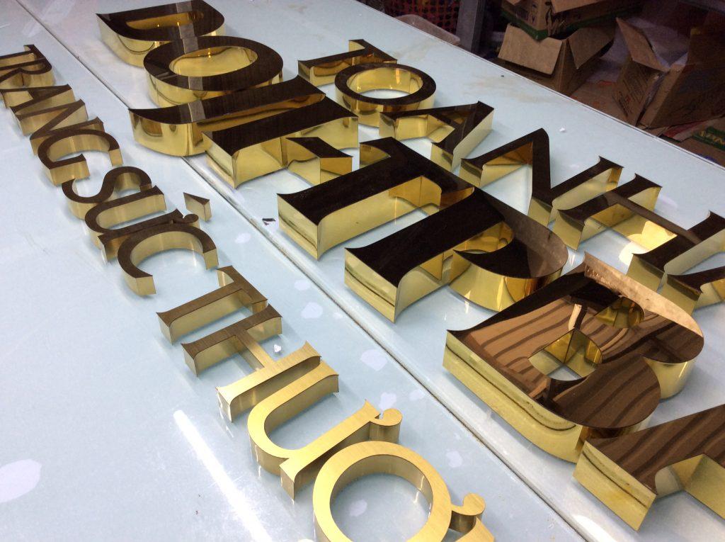 Chữ nổi inox gương vàng